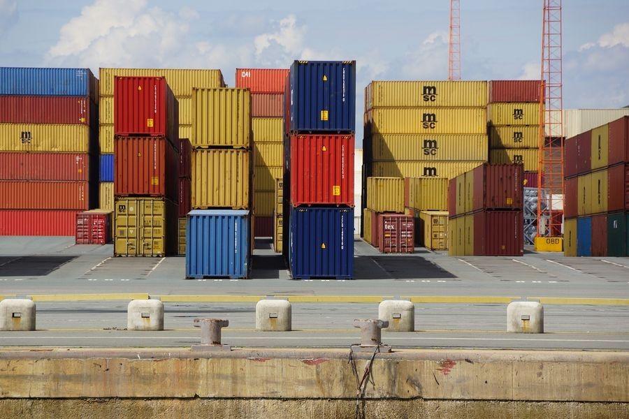 Nowoczesny transport towarów z Chin różnymi metodami