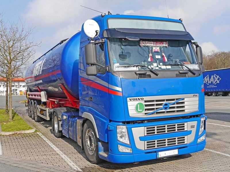Mobilny serwis różnych ciężarówek
