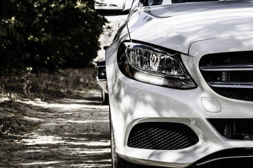 Profesjonalne aukcje samochodów ze Szwajcarii